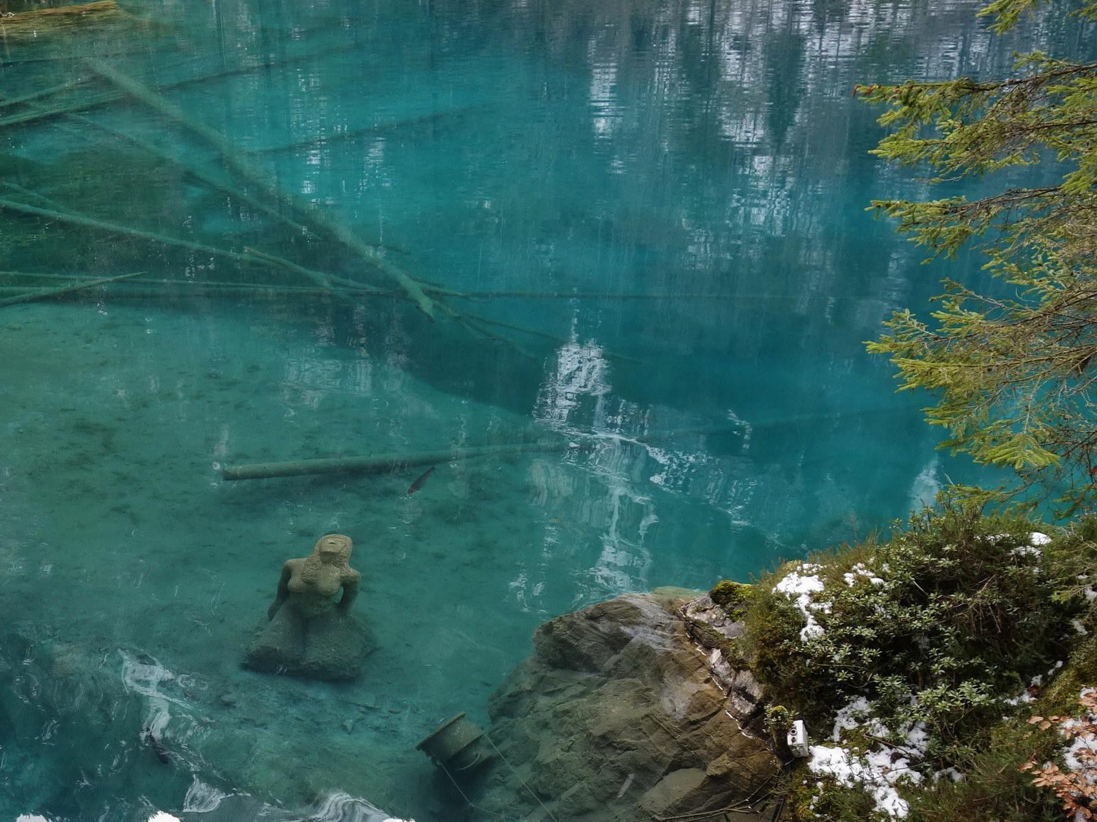 Magisches Tauchen in der Welt des Blausee