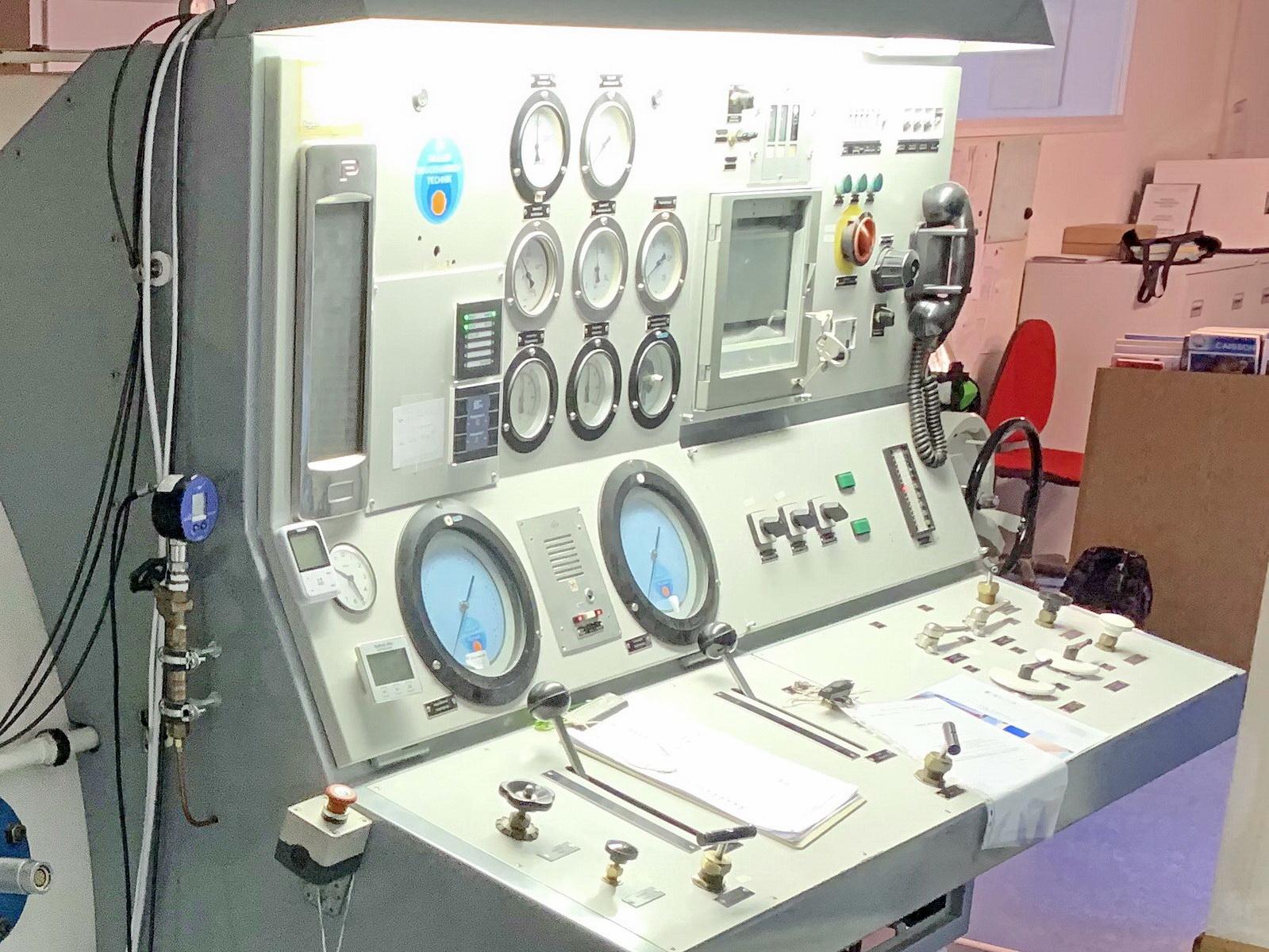 Technik für Sicherheit in der Druckkammer