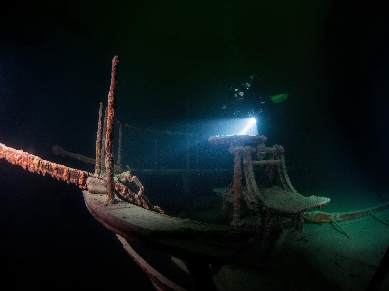 Wracktaucher auf dem Dampfschiff Jura