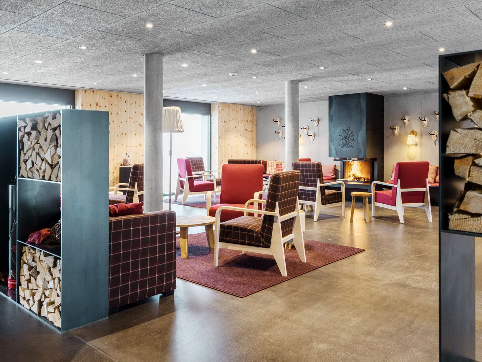Aufenthaltsraum des Bergseetauch Hotel Mettmenalp