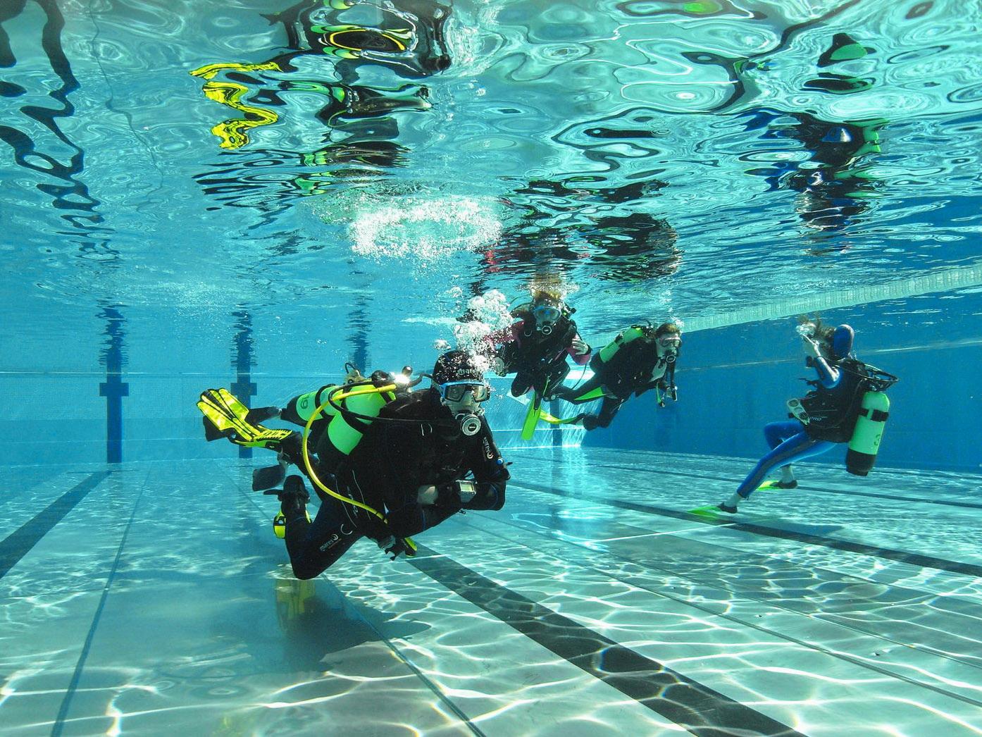 Schwimmbad - Übungsraum beim Bubblemaker