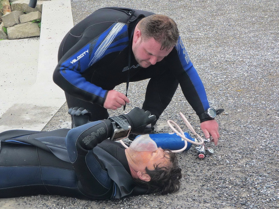 Notfallbeatmung im Rescue Diver Kurs