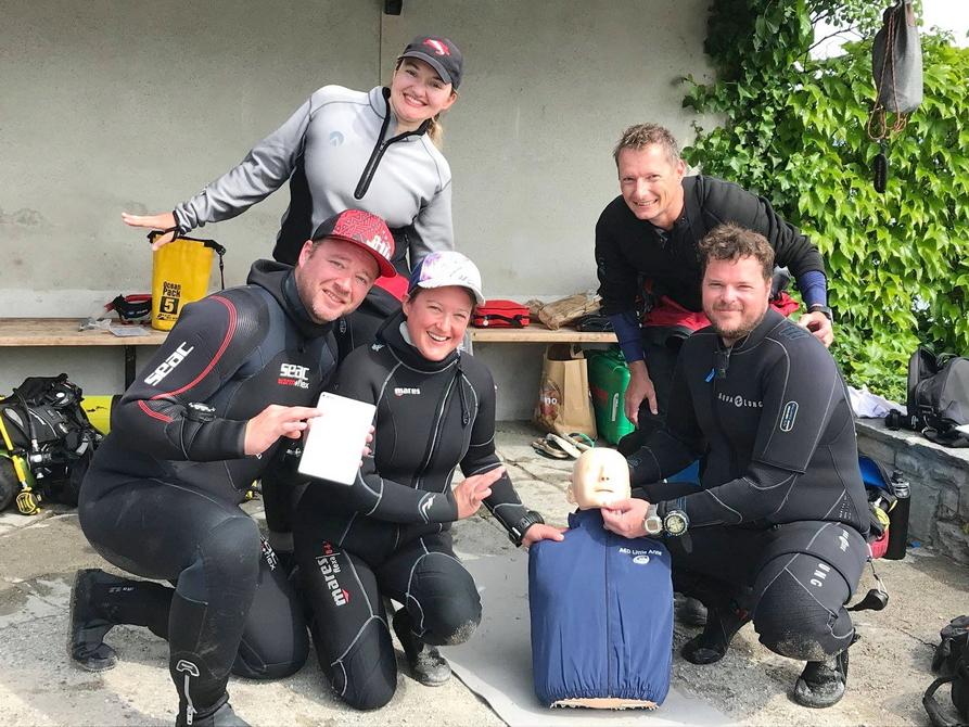 Erfolgreicher Abschluss des Rescue Diver Kurses