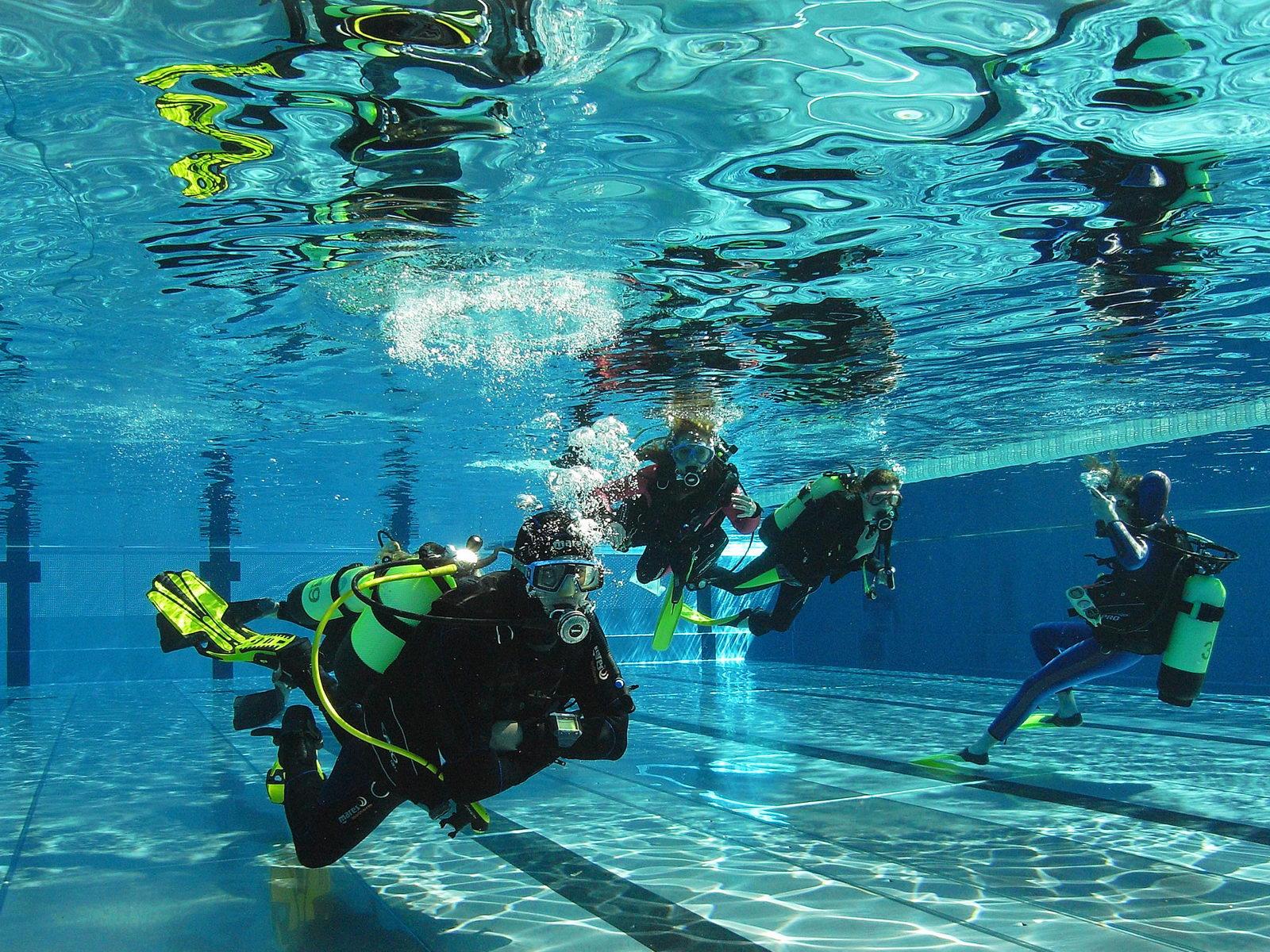 PADI Pro Kurs im Schwimmbad