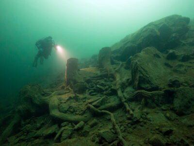 Bergseetaucher entdeckt fantastische Unterwasserwelt