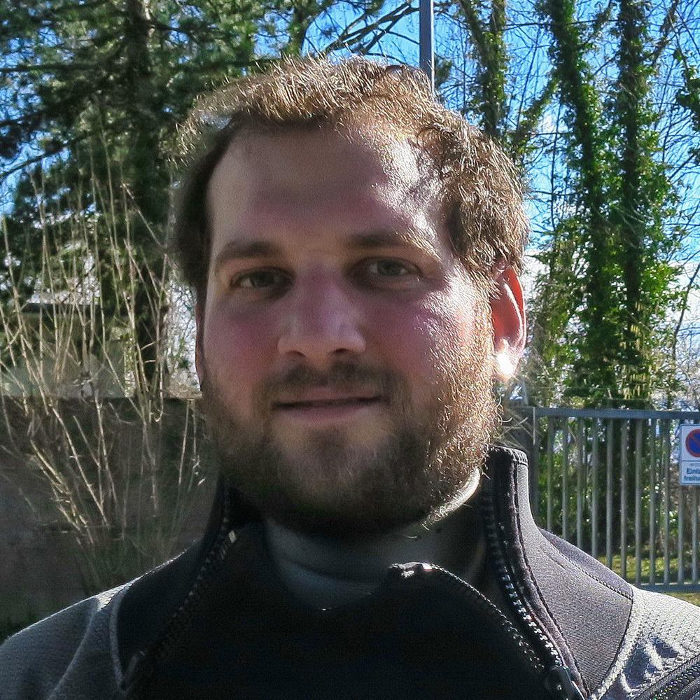 Simon Roth