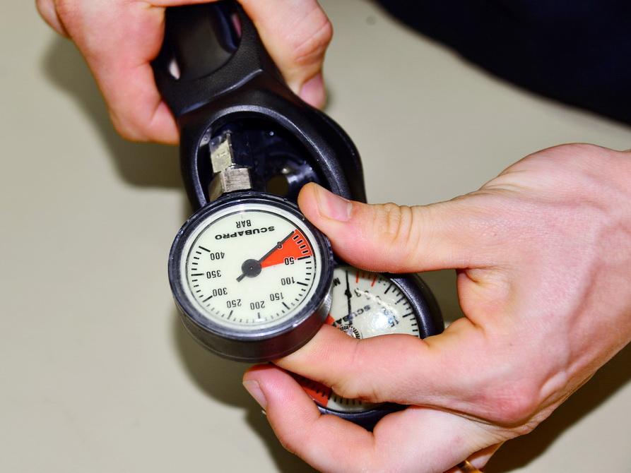 Reparierte Finimeter von Atemregler